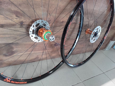Roues Cyclo-cross Duke Cross Runner Boyau, moyeux Hope RS4 Disc Centerlock Orange, rayons DT Revolution (2)